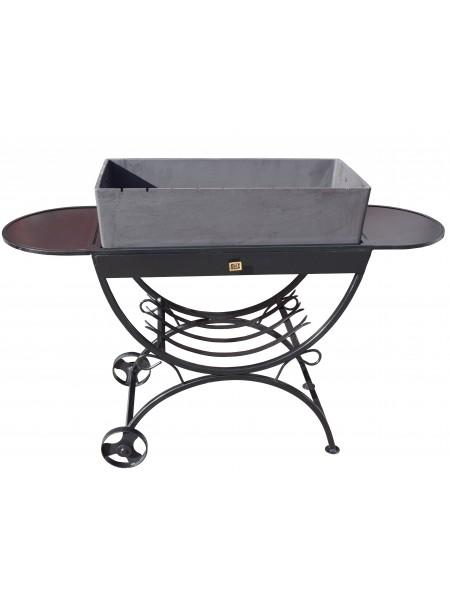 Чугунный мангал с зольником и столами из корабельной фанеры